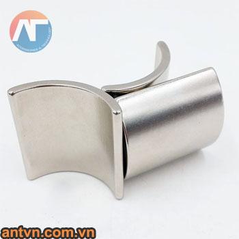 nam-cham-cong-12x8mm